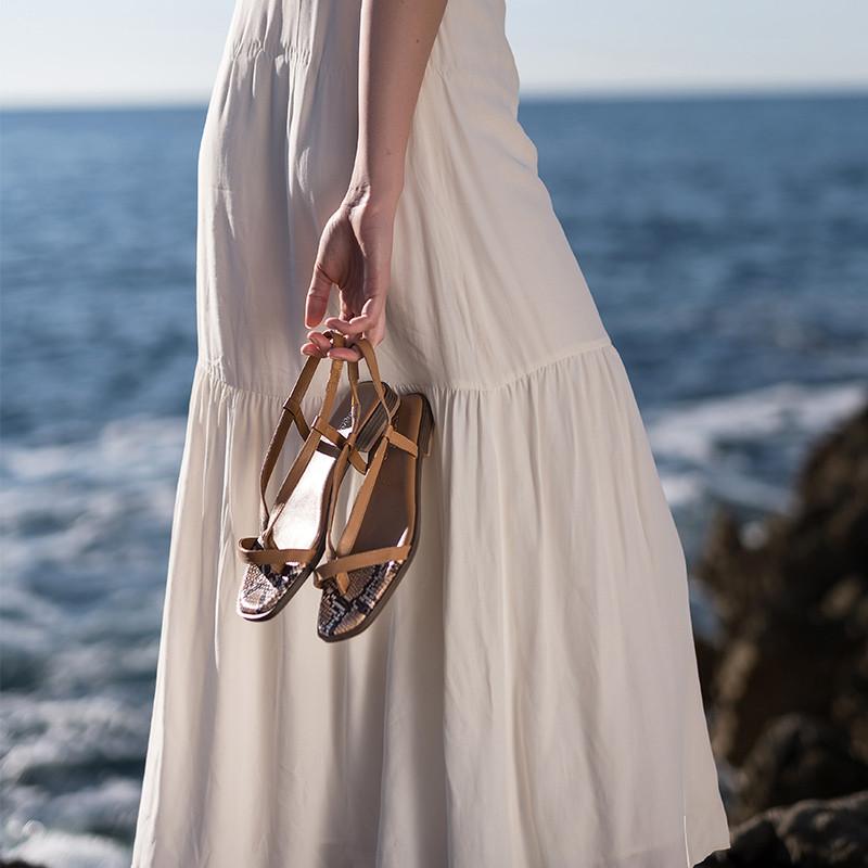 sandales plates avec entre-doigts - reqins